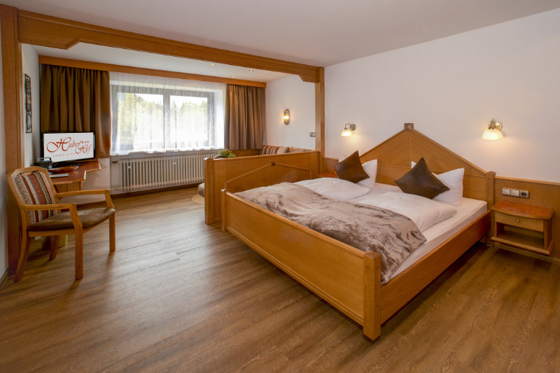 Dreibettzimmer Huber Hof Ruhpolding Ansicht 1